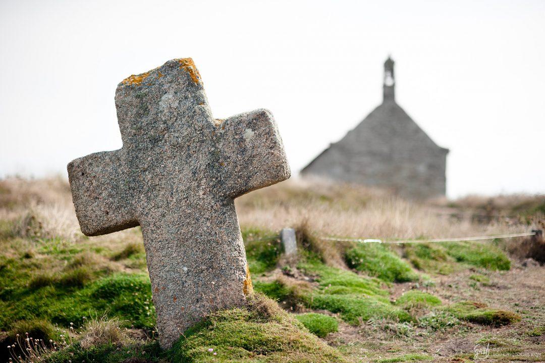 Petite chapelle sur la côte du Finistère