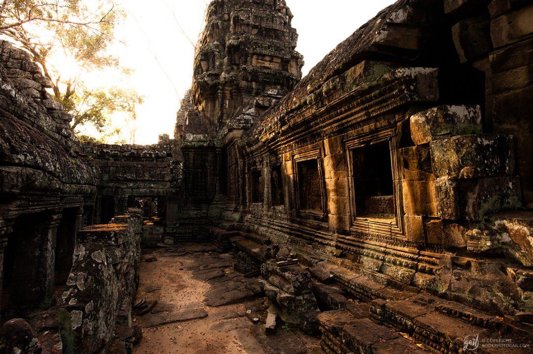 Coucher de soleil sur le temple de Banteay Kdei
