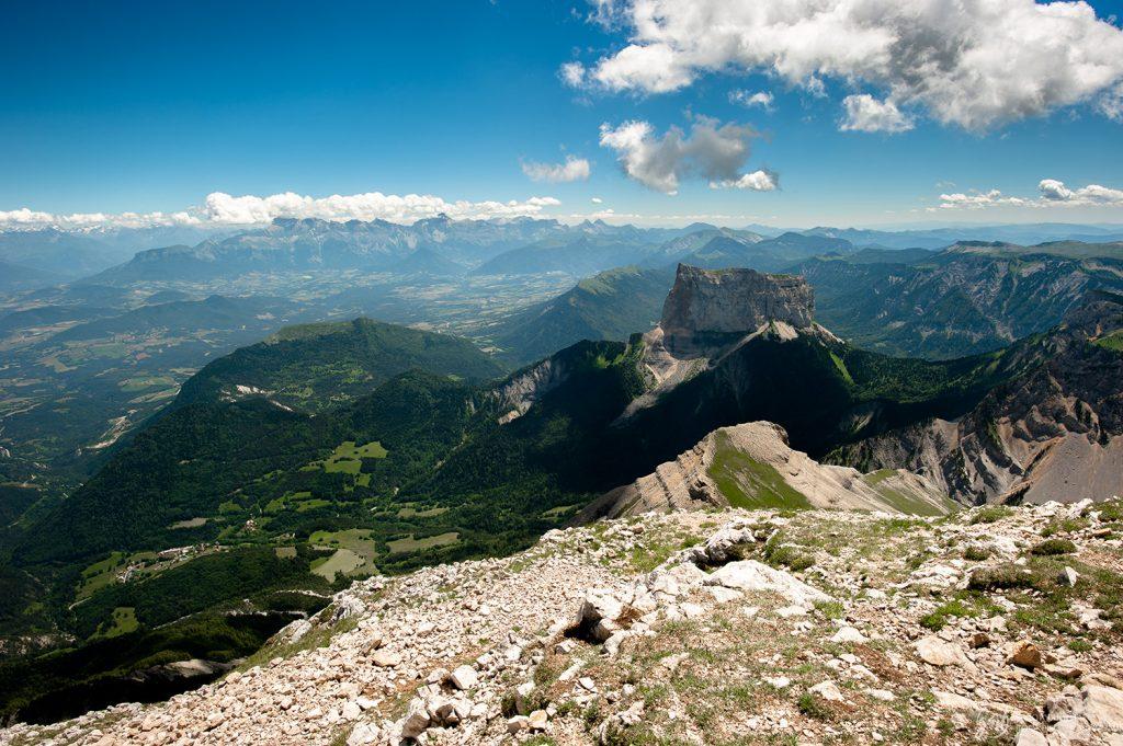 Le Mont Aiguille vu depuis le Grand Veymont, Vercors