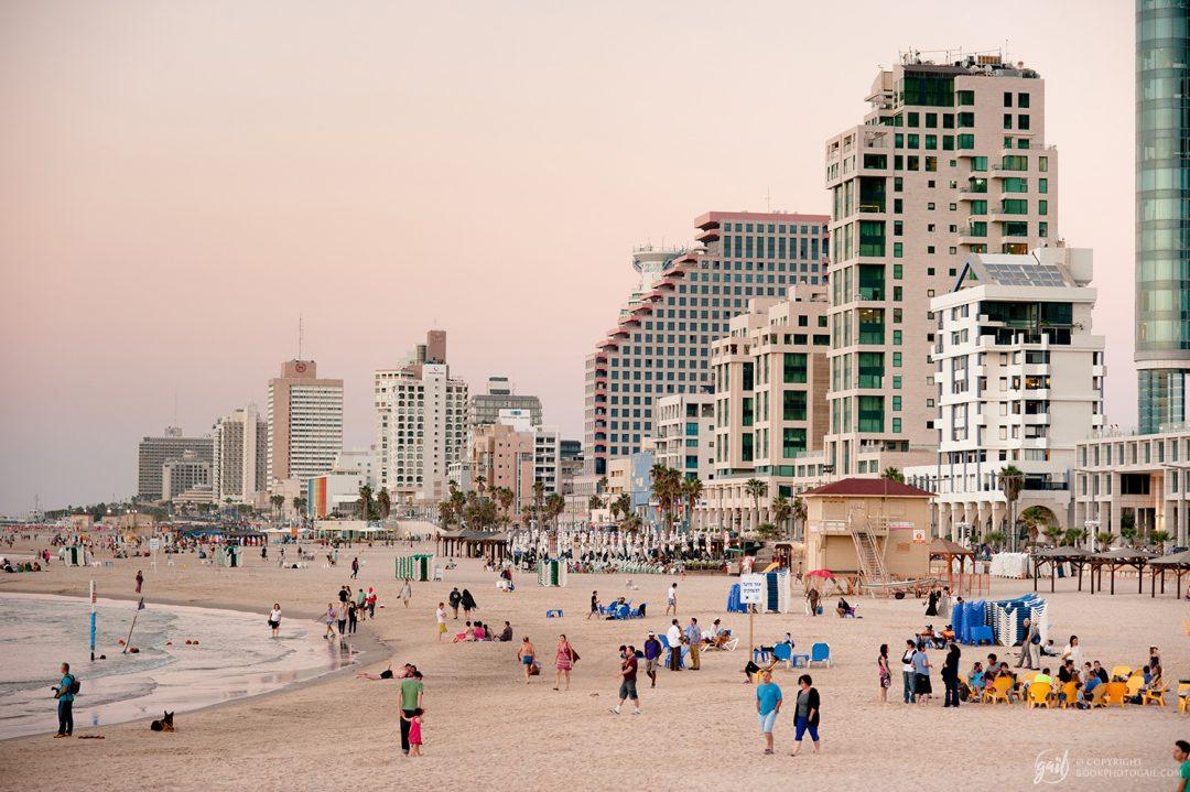 La plage de Tel Aviv