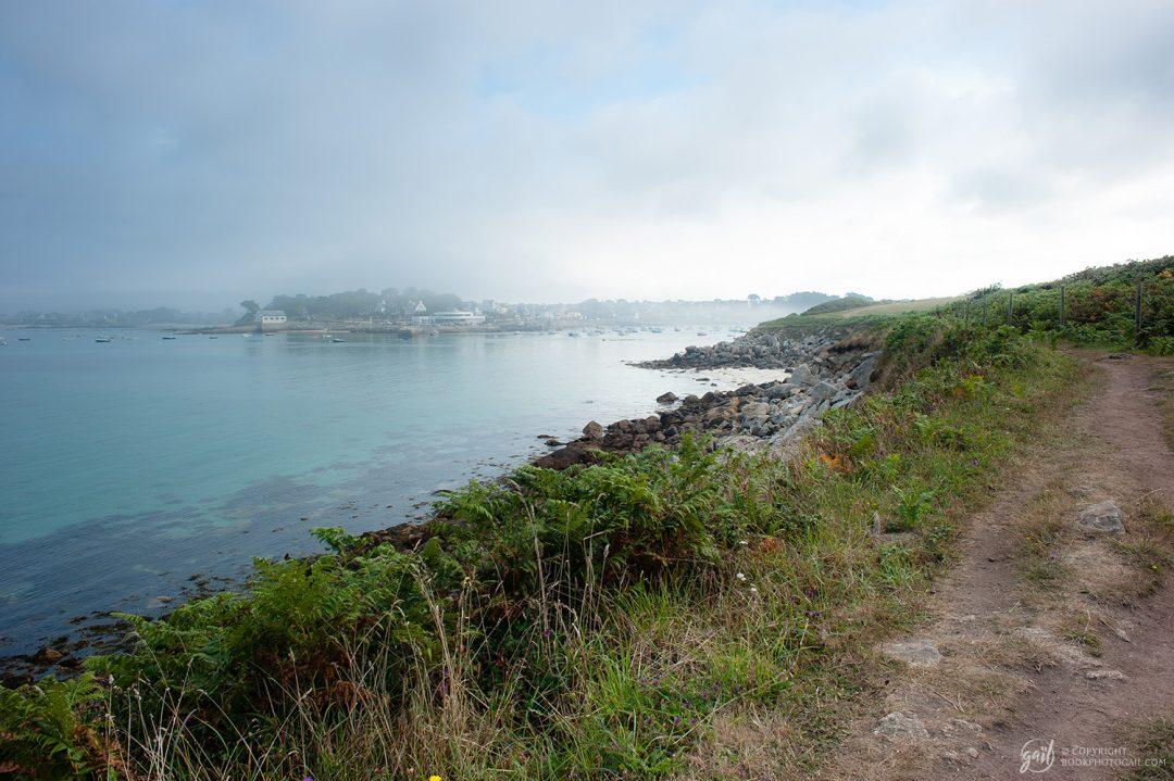 Le chemin des douaniers les long des côtes de Bretagne