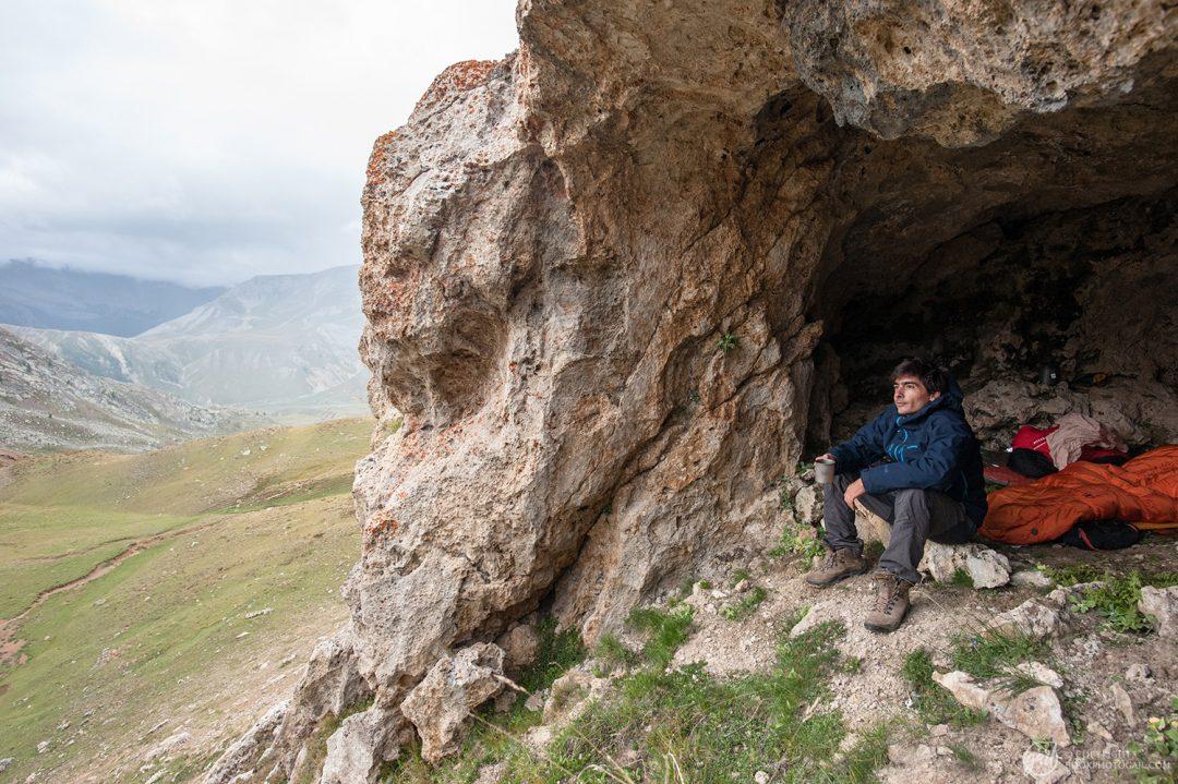 Notre bivouac dans une grotte près des Lacs de Morgon dans le Mercantour