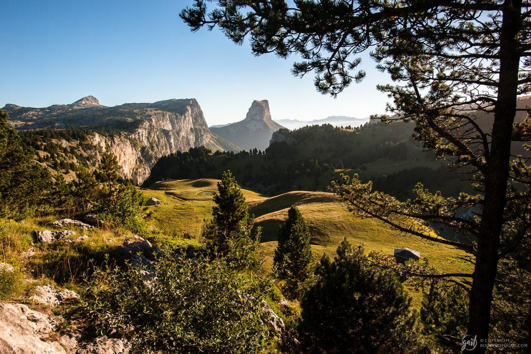 Le Pas de l Aiguille et le Mont Aiguille