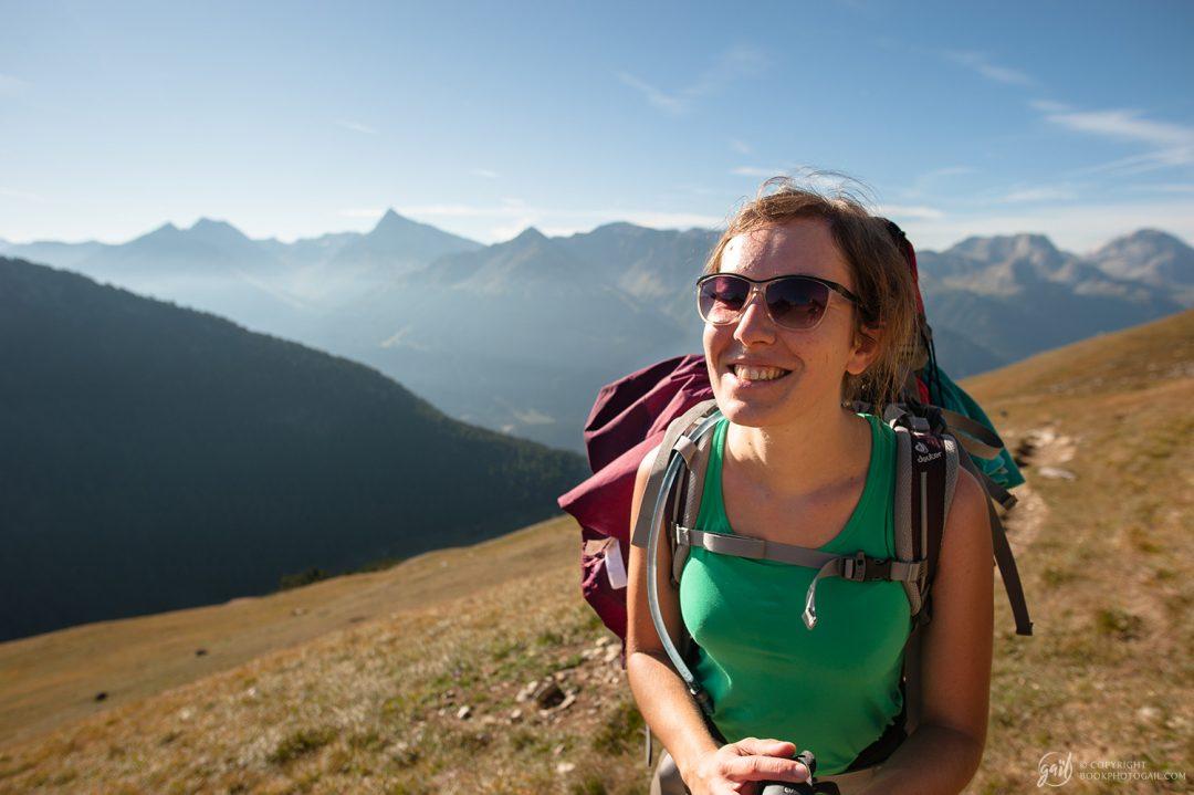 Anaïs, randonneuse de longue date, heureuse de retrouver la haute montagne