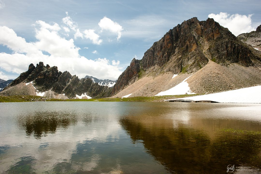 Lac d'altitude à proximité du col des Méandes, au pied du Mont Thabor